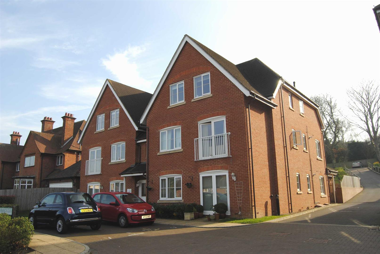 St Francis Close, Berkhamsted, HP4